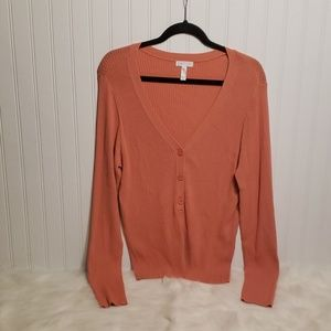 NWOT Leith Rayon V neck Pullover With Buttons